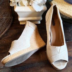 Cream wedge Heels size 9